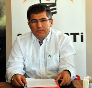 Öztürk'ten Gazetecilere kutlama