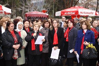 Bozacı, Cinsiyet Ayrımı Raporu'na dikkat çekti