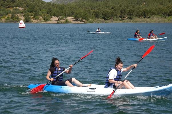 Ula Göletinde kano yarışı