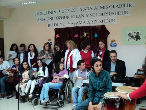Engelli Öğrencilerden Cumhuriyet coşkusu