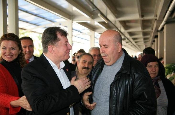 Karacan pazarı gezdi