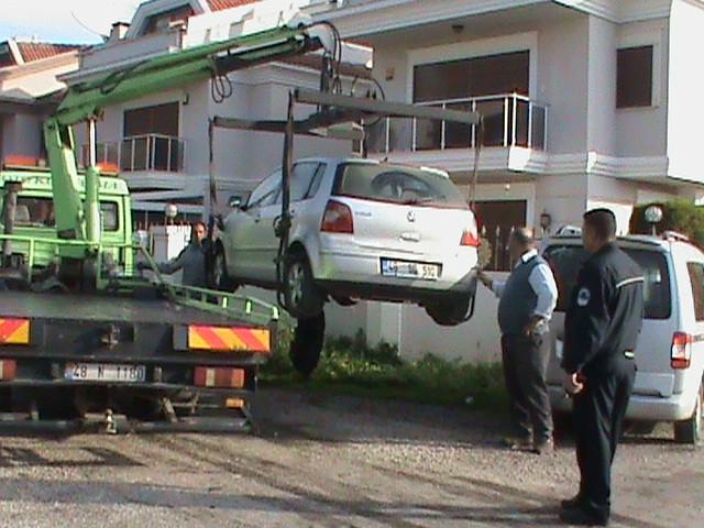 Araçlar birbirine çarparak durabildi