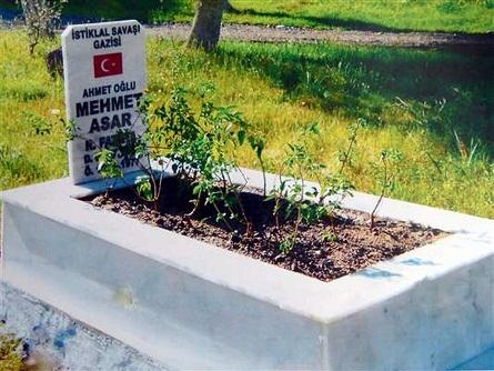Gazi'nin mezarı düzenlendi