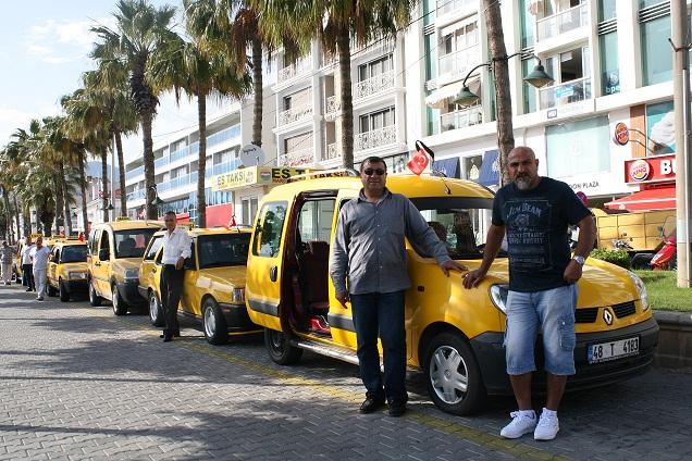 Taksiciler Siyah Kurdela taktı