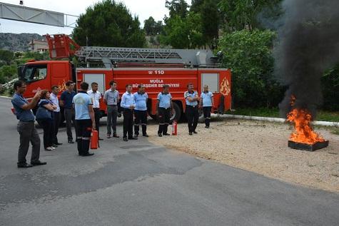 Valilik çalışanlarına yangın eğitimi