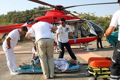 Turist ambulans helikopterle sevkedildi