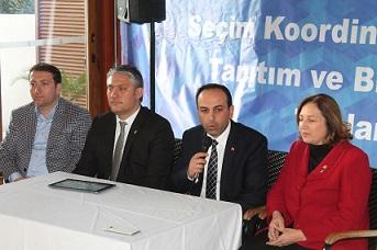 AK Parti SKM, bilgilendirme yapıyor