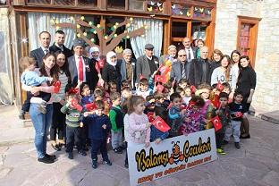 Şehit Aileleri ve Gaziler'den miniklere ziyaret