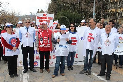 Sağlık çalışanları grev yaptı