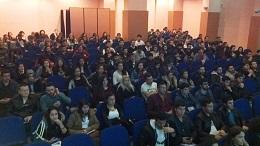 Karacan'ın seminerleri sürüyor