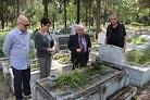 Babasının mezarını 35 yıl sonra görebildi