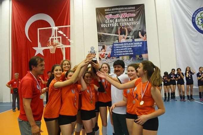 Genç Bayanlar Voleybol Turnuvası sona erdi
