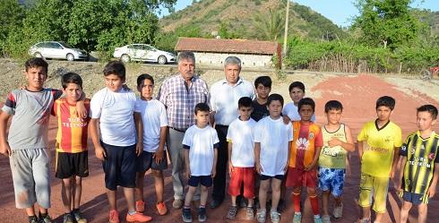 Çocuklar için mini futbol sahası