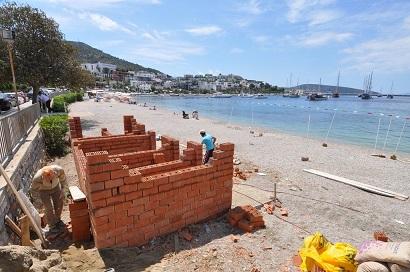 Engelli vatandaşlar için plajlara tuvalet yapılıyor