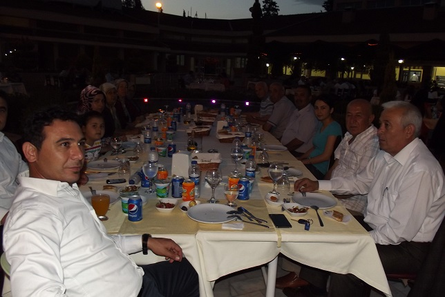 Kaymakam Özkan'dan iftar yemeği
