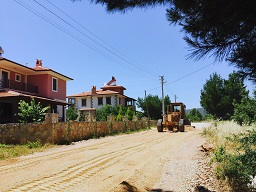 Menteşe'de yollar asfaltlanıyor