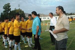 Nejat İşler, Futbol Okulu açtı