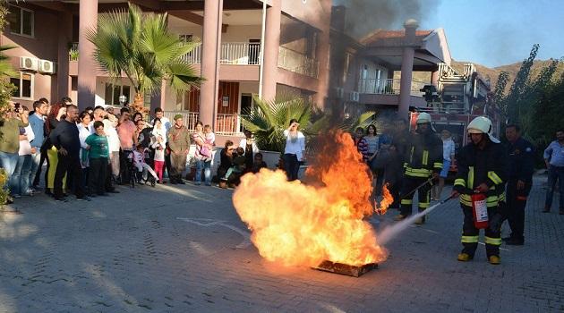 Engelli öğrencilere yangın tatbikatı