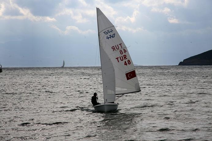 Yelkencilerin mücadelesi sürüyor