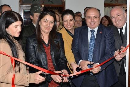 Bir Kadın 3 Sanat Sergisi açıldı