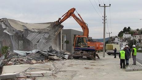 Bodrum'da yıkımlar sürüyor