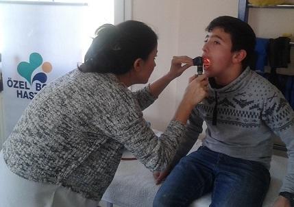 Engelli çocuklar tedavi edildi