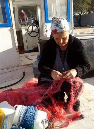 Kadın balıkçılar giderek azalıyor