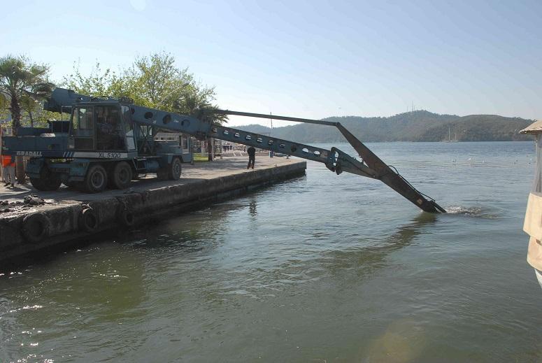 Fethiye limanı temizleniyor