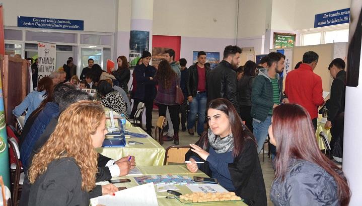 Sektör temsilcileri ve öğrenciler buluştu