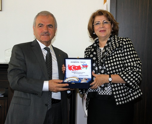 Azerbaycan Eğitim Müşaviri'nden Harmandar'a ziyaret