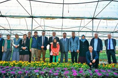 Büyükşehir 3 milyon çiçek üretti