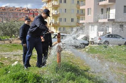 Yangın muslukları kontrolden geçiriliyor
