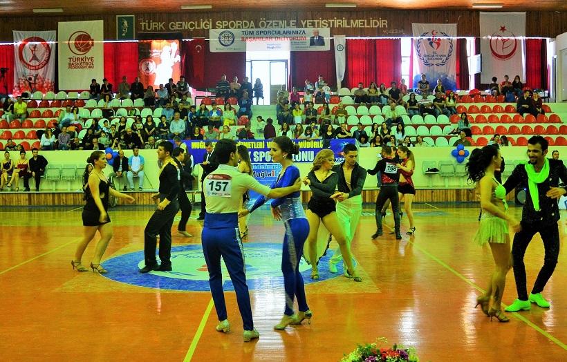 Dansçılar Marmaris'te piste çıkıyor