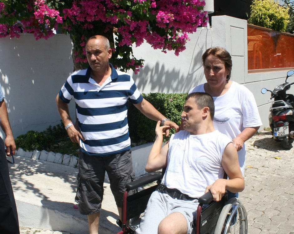 Engelli gencin Marmaris tatili zehir oldu!