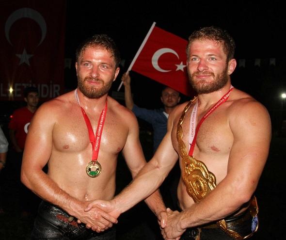 İkiz pehlivanlar şampiyon oldu