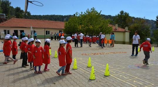 Kırsal mahallelerde spor etkinlikleri sürüyor