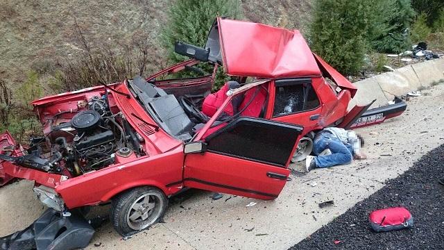 Araç tırın altına girdi: 1 ölü