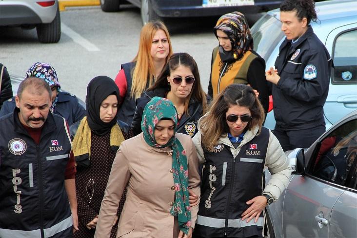 FETÖ ablaları tutuklandı
