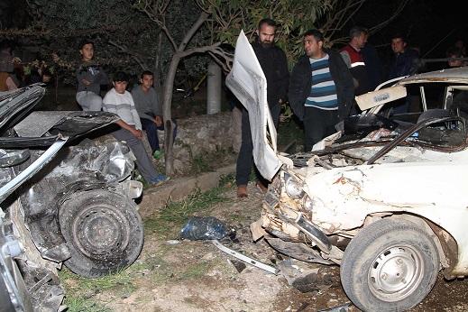 Araçlar hurdaya döndü: 5 yaralı