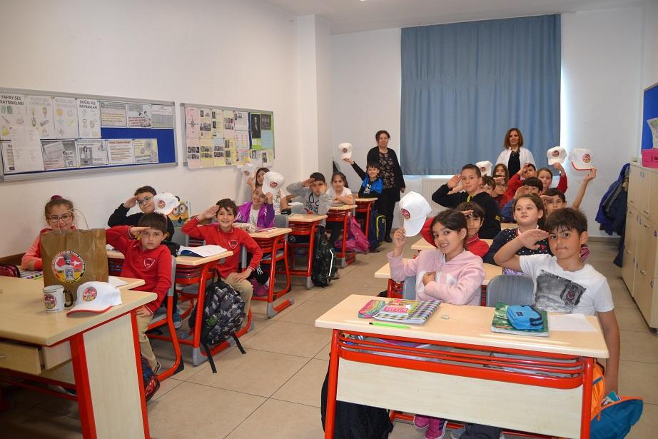 TEK öğrencilerinden Mehmetçikle mektuplaştı
