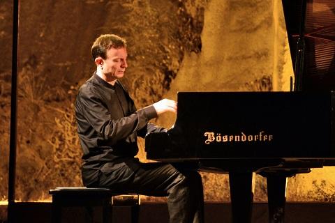 Piyanonun dev ismi Gümüşlük'e geliyor