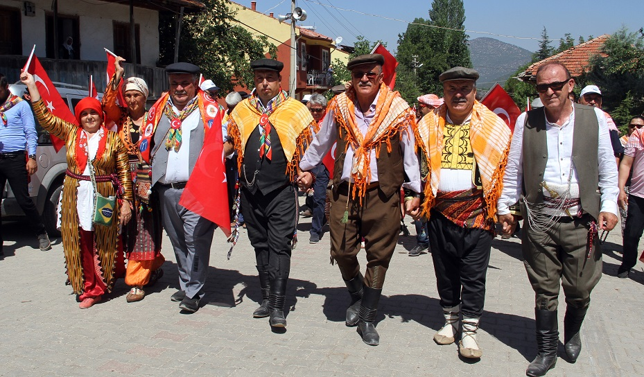 Yörük Türkmenler Beşkaza yaylasında buluştu