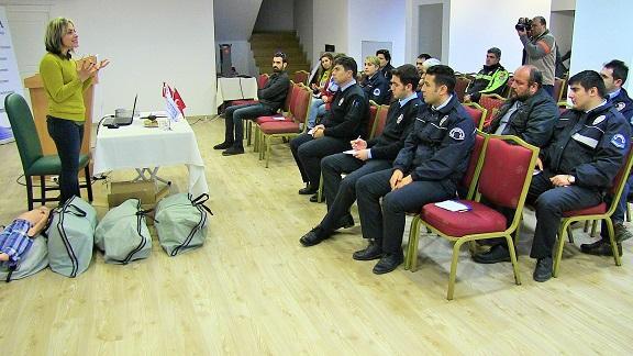 Polislere ilkyardım eğitimi