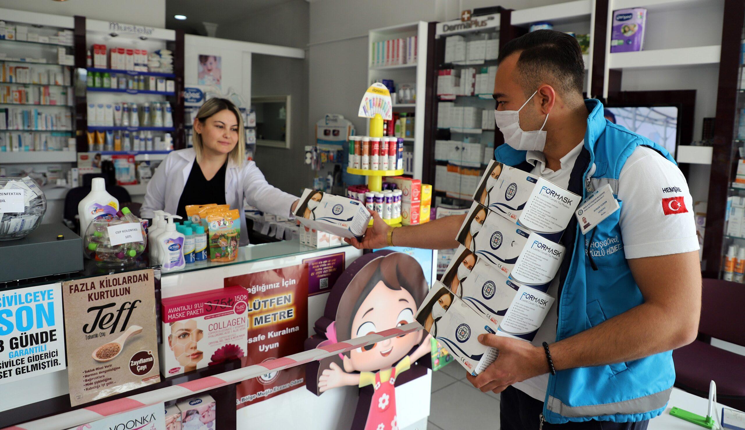 Muğla Büyükşehir 662 bin maske dağıttı