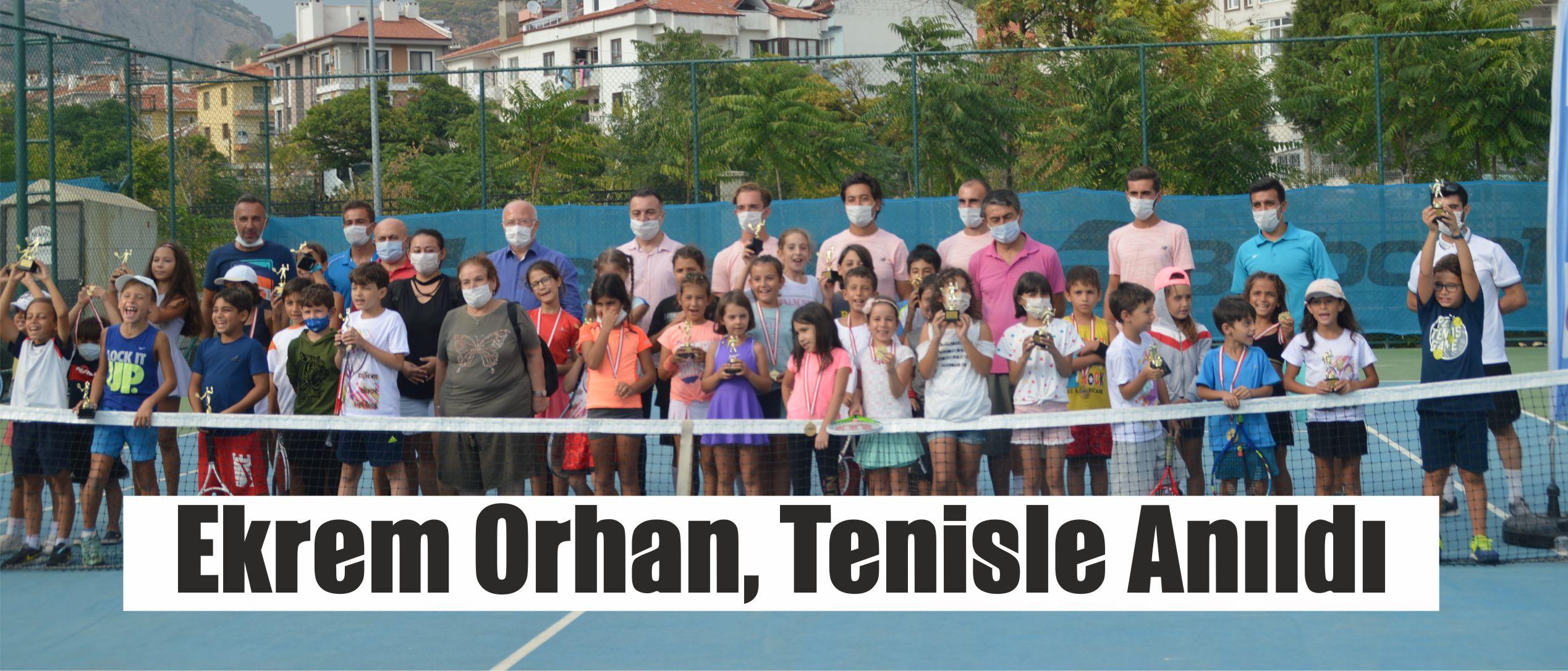 Ekrem Orhan, Tenisle Anıldı