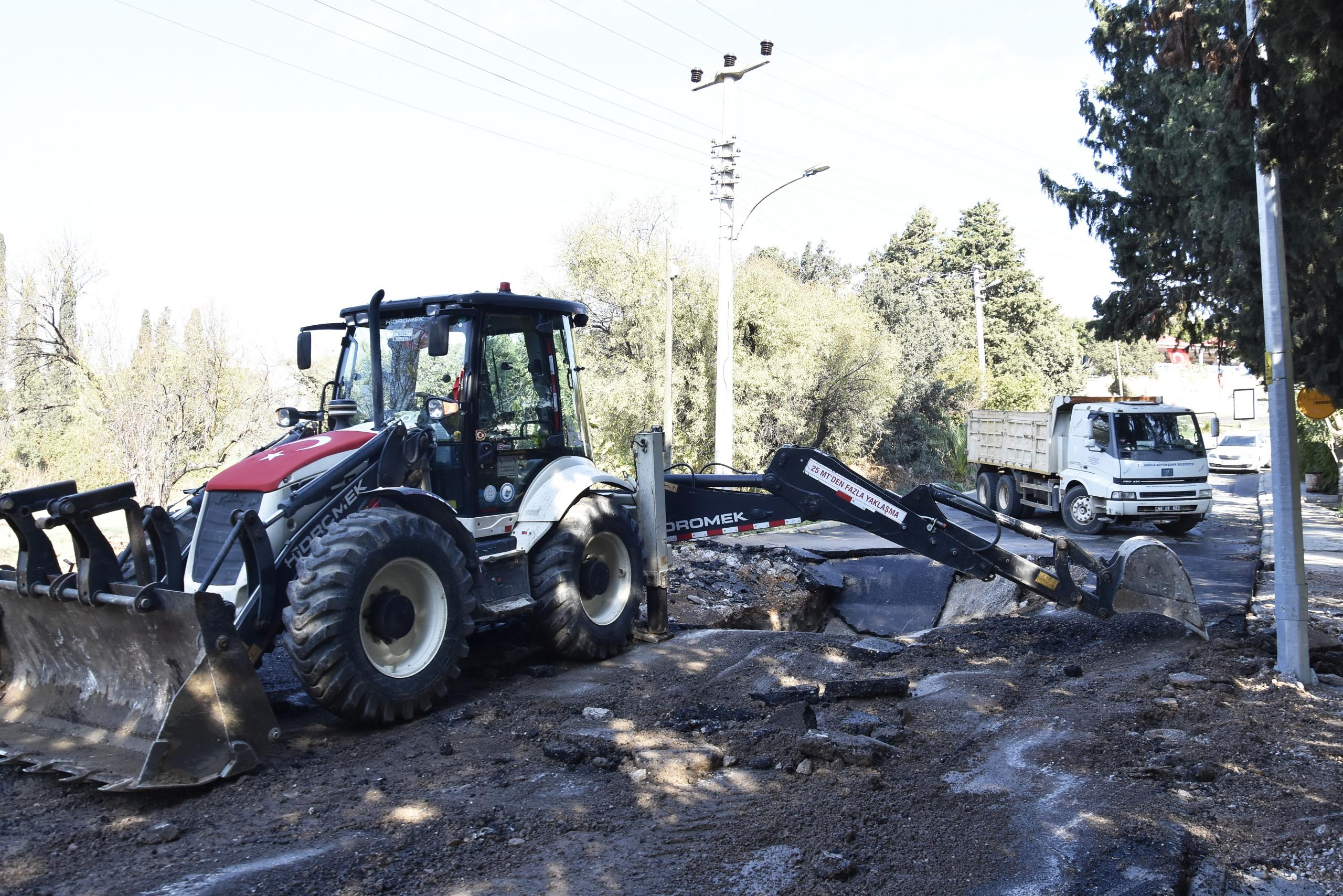 Bodrum'da iş yerlerini su bastı