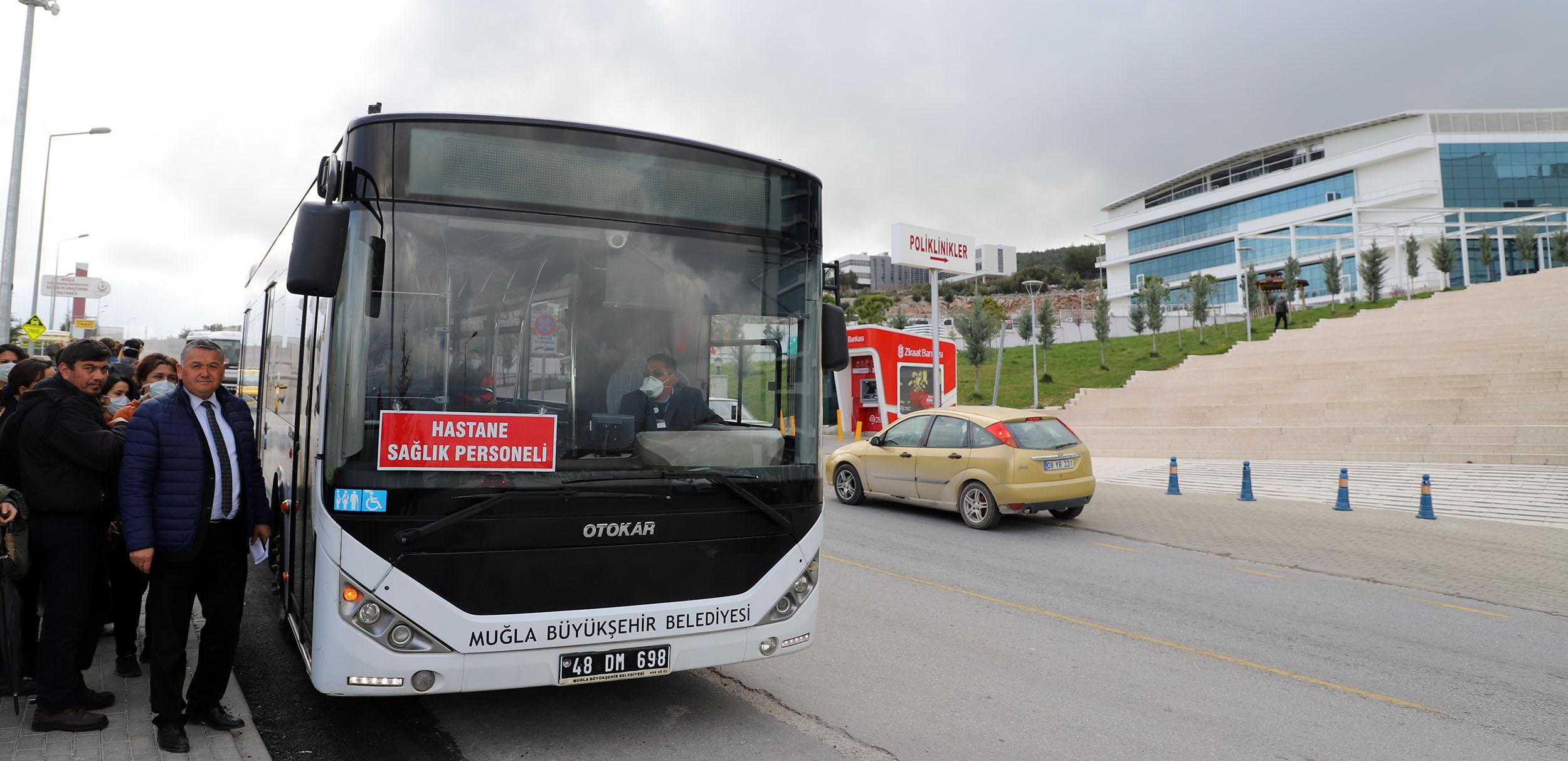 Sağlık çalışanlarına ücretsiz ulaşım uzatıldı
