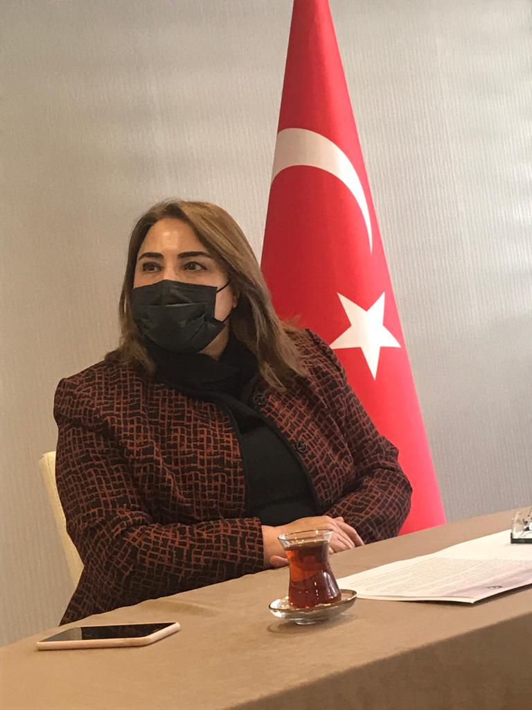 Muğla'nın Başöğretmeni Milli Eğitim Müdürü Pervin Töre 'ye Yüz yüze olmadı uzaktan soruyoruz?