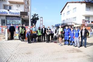 Fethiye'de çevre temizliğinde 3 ton çöp toplandı