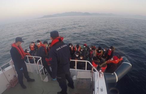 32 düzensiz göçmen kurtarıldı